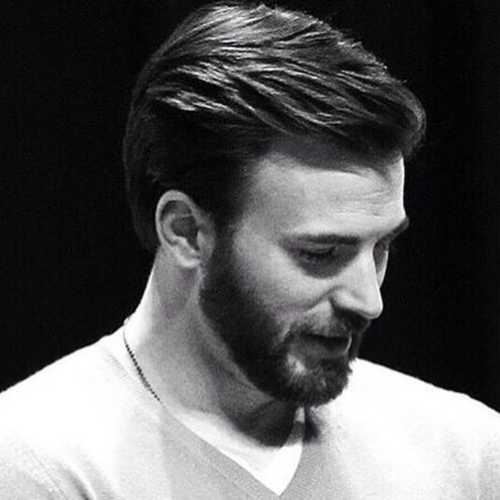 chris evans medium length textured hairstyle