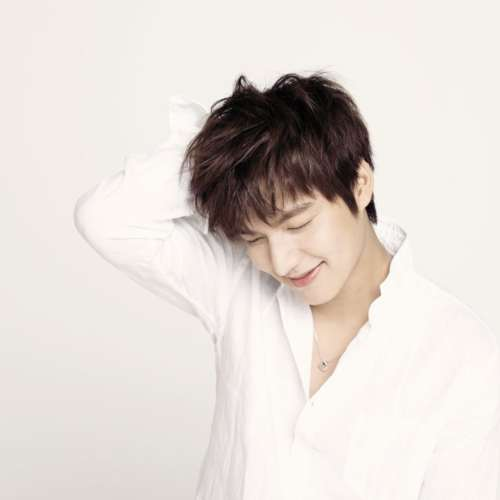 lee min ho messy hairstyle