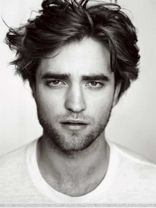 robert pattinson messy hairstyle new