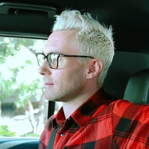adam levine white haircut