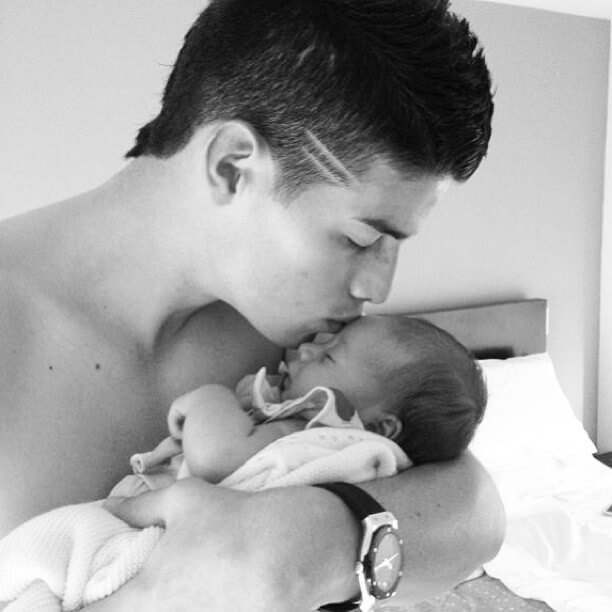 james rodriguez baby kiss